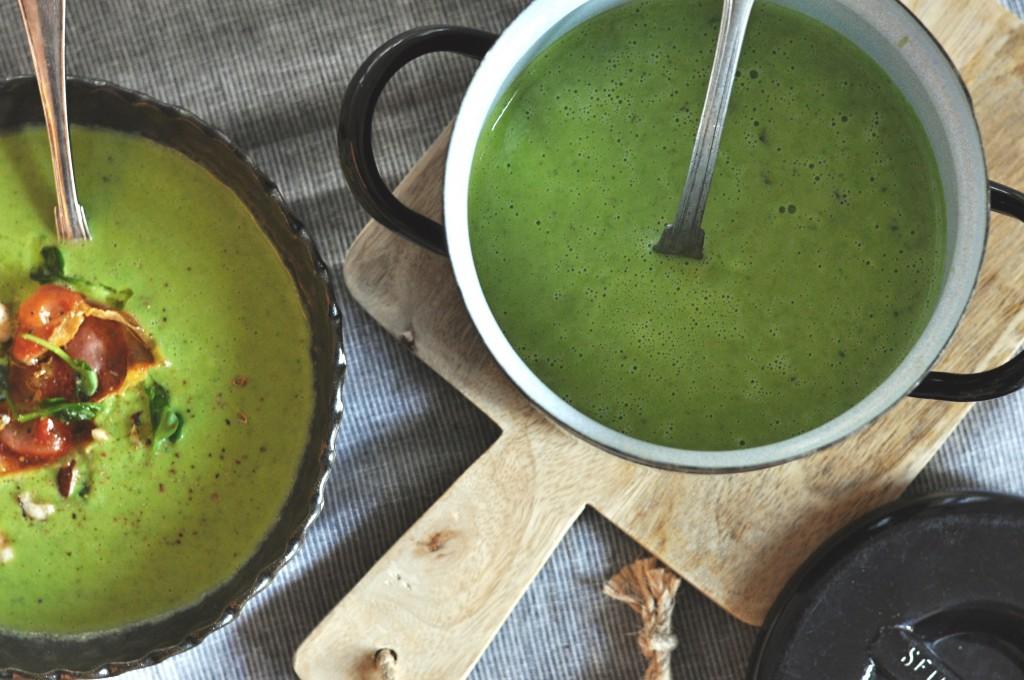 Hrášková polévka s bazalkou a parmezánem